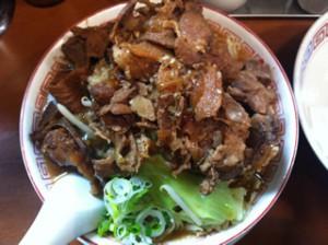 浅草 椿華亭 背骨肉ラーメン880円